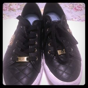 Guess quilted tennis shoes size 9.5